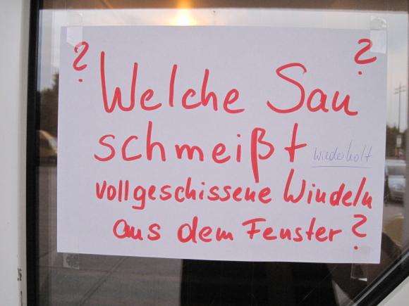 2010 08 04 windeln Klo Benehmen